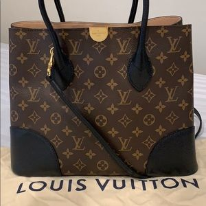 Louis Vuitton Damier Kensington Monogram